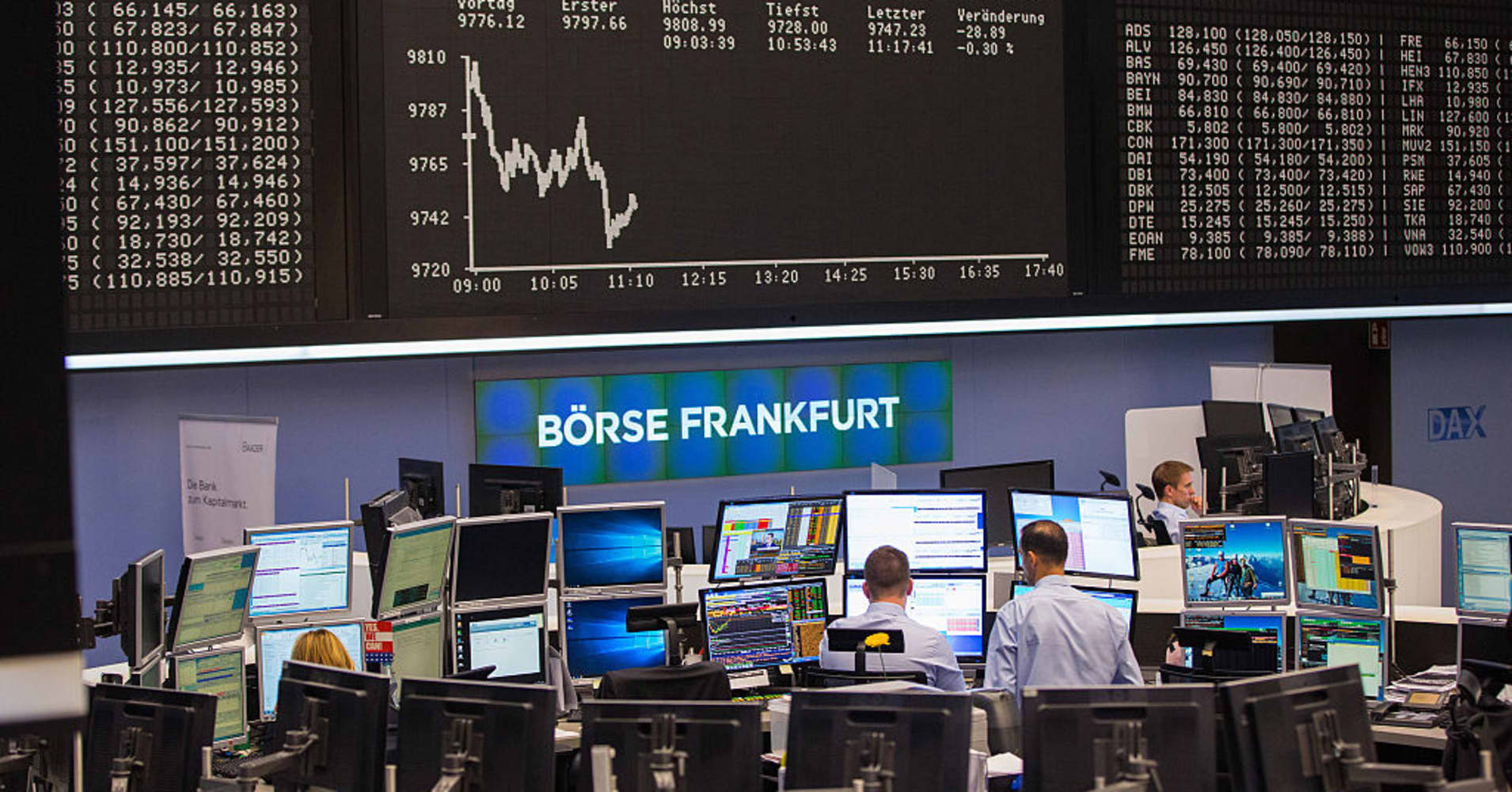 European bourses open mixed amid fresh earnings
