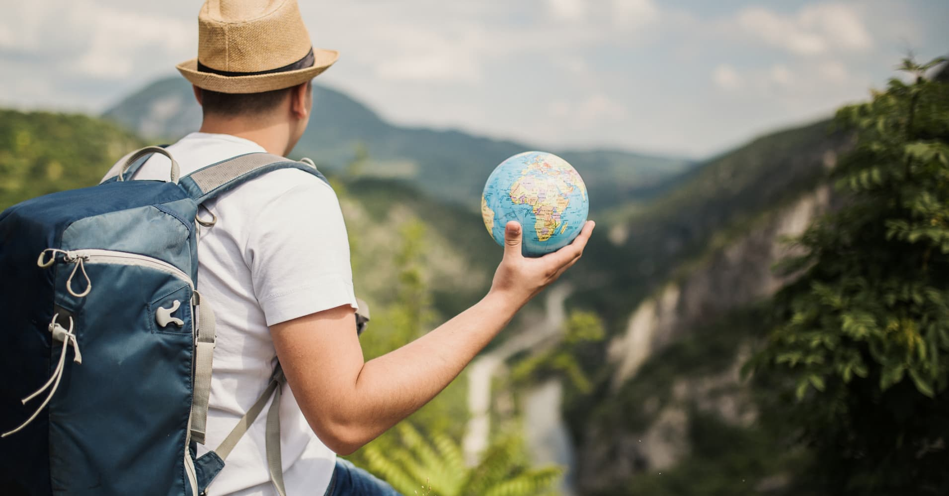 Apply for this job and travel the world as part of the interview falaconquin