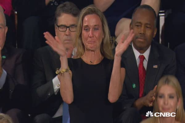 President Trump honors widow of fallen Navy SEAL William 'Ryan' Owens