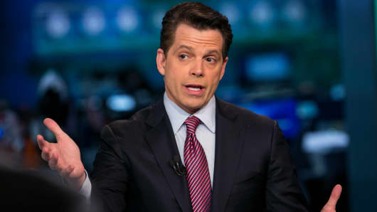 Anthony Scaramucci tweets warning to alleged leakers of his financial disclosure information