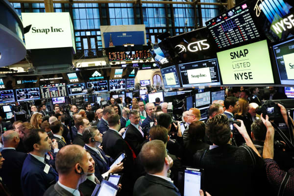 Traders On The Floor Of The New York Stock Exchange Wait For Snap Inc To  Post
