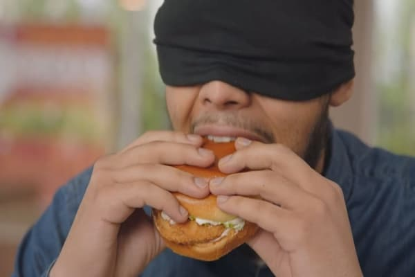 Find out what these blindfolded twitter haters are taste testing