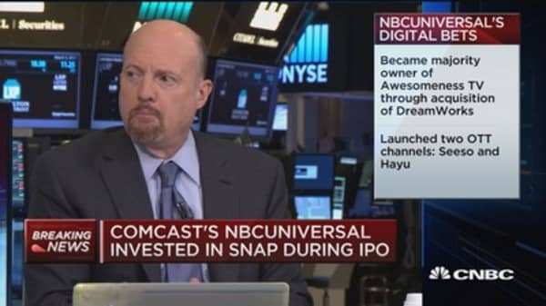 Cramer : NBCUniversal's $500M Snap investment a 'wake up call'
