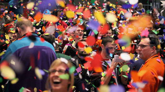 Confetti drops on traders at the CME Group's Chicago Board of Trade. (File photo).