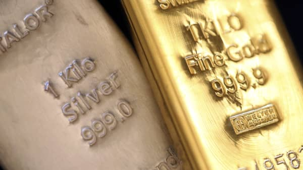 One kilogram gold and silver bars.