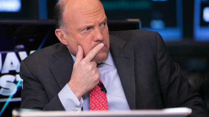 Cramer: China will retaliate against Apple because of the trade war