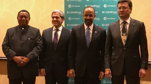 (L-R): OPEC Secretary General Mohammad Barkindo, Mexican Deputy Secretary of Energy for Hydrocarbons Aldo Flores-Quiroga , Saudi Minister of Energy, Industry and Mineral Resources Khalid Al-Falih and Russian Energy Minister Alexander Novak.