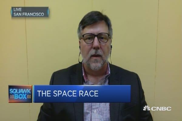 SpaceX is leading the space race: Expert