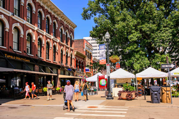 People in Market Square on market day in Knoxville, Tennessee.