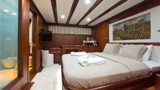 The motor sailboat accommodates up to 12 guests in her six en-suite cabins.