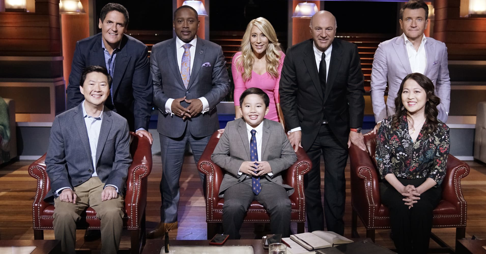DR. KEN - 'Dave Goes on Shark Tank' - When Dave announces he's been invited to pitch his Hot Legs Duvet invention on 'Shark Tank,' Ken is excited. But then he gets nervous about throwing his son into the Tank when he realizes how tough the Sharks can be.