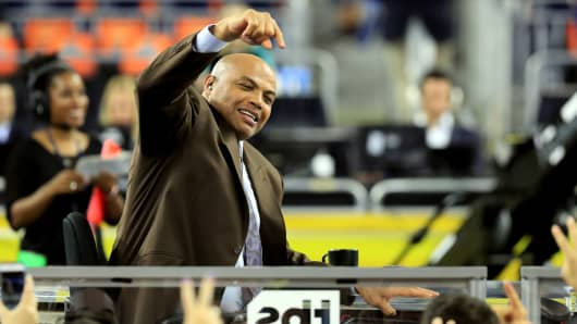 Former NBA player and commentator Charles Barkley points to the crowd prior to the 2016 NCAA Men's Final Four National Championship game between the Villanova Wildcats and the North Carolina Tar Heels at NRG Stadium on April 4, 2016 in Houston, Texas.