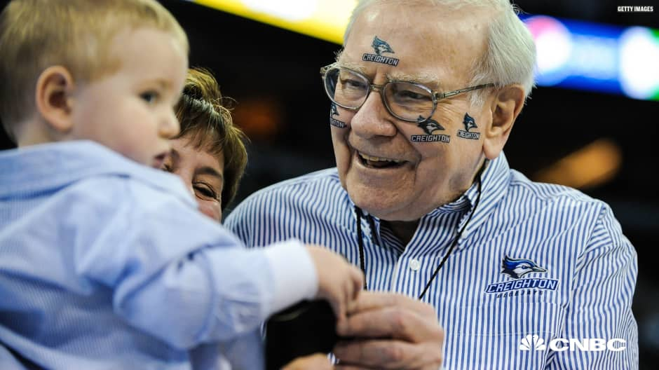 Warren Buffett is offering another ridiculous prize for a winning March Madness bracket
