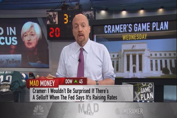 Cramer's game plan: The world economy is stronger than you think — this stock will prove it