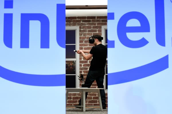 model demostrates Intel's Project Alloy, an all-in-one merged reality headset during an Intel press event for CES 2017 at the Mandalay Bay Convention Center on January 4, 2017 in Las Vegas, Nevada.