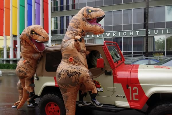 Ralph the Rex filming a video on the streets of LA with his friend's Jurassic Park Jeep.