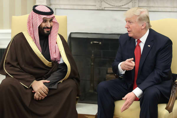 President Donald Trump (R) meets with Mohammed bin Salman, Deputy Crown Prince and Minister of Defense of the Kingdom of Saudi Arabia, in the Oval Office at the White House, March 14, 2017 in Washington, DC.