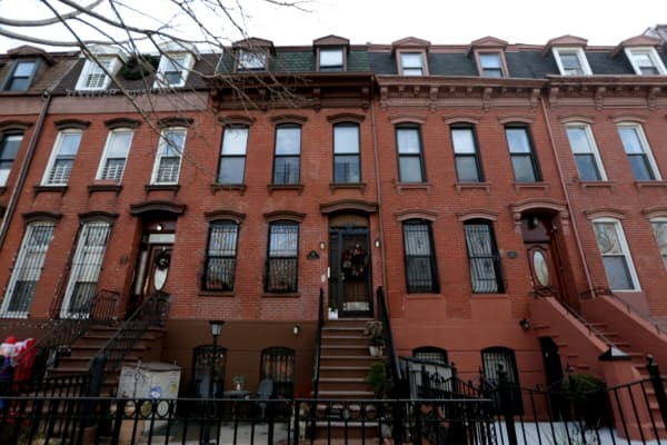 China is beating america again buying up pricey brooklyn for Buy house in brooklyn