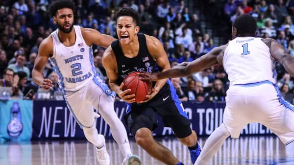 Duke Blue Devils guard Frank Jackson drives in a game against the North Carolina Tar Heels on March 10, 2017, at the Barclays Center in Brooklyn, New York.