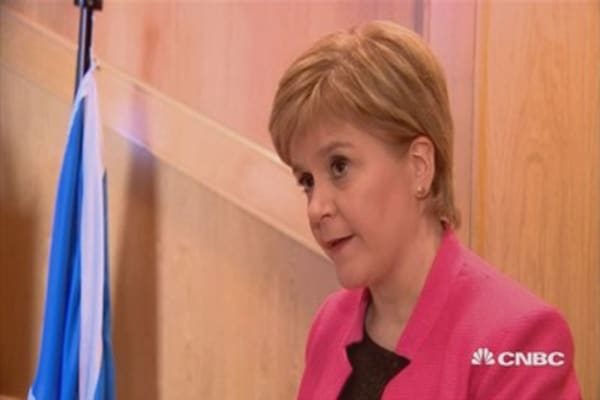 Sturgeon: Undemocratic for UK PM to stand in way of referendum