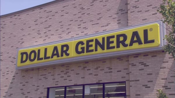 Dollar General is starting to look a whole like Wal-Mart
