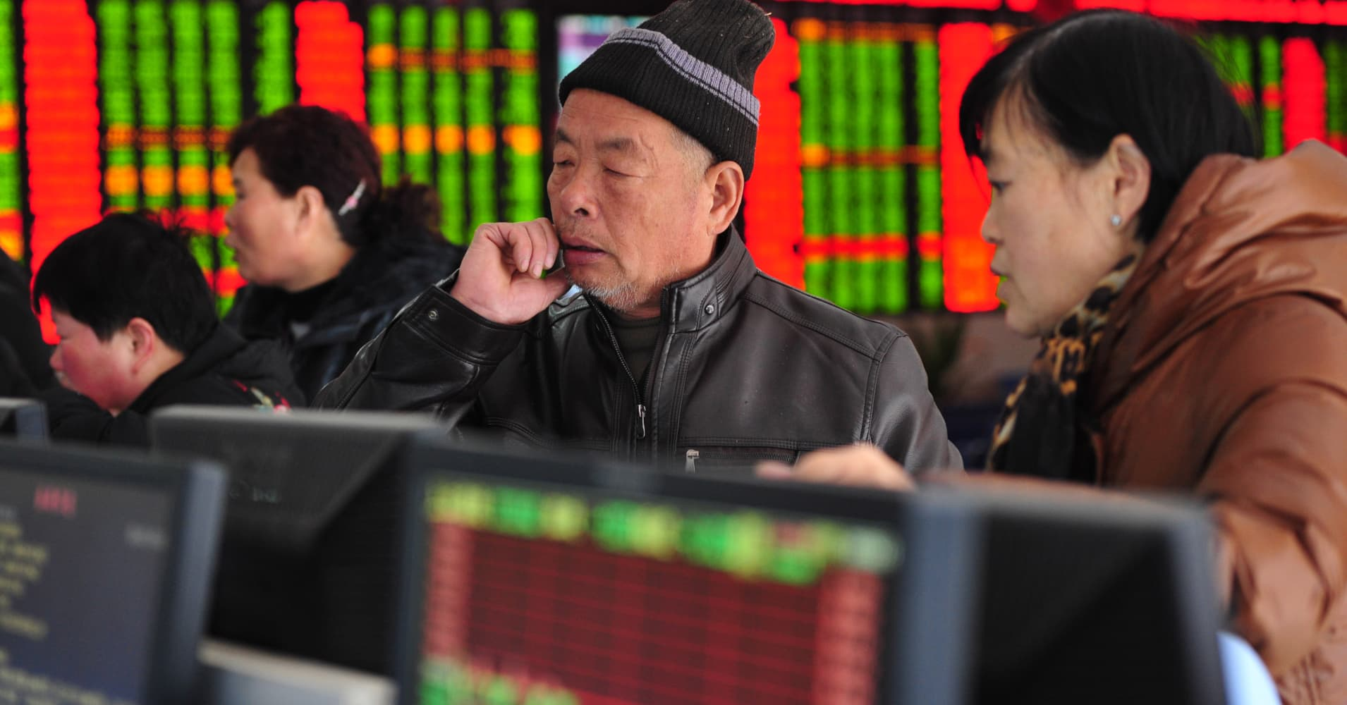 Chinese stocks are beginning to show 'cracks.' Here's what it means