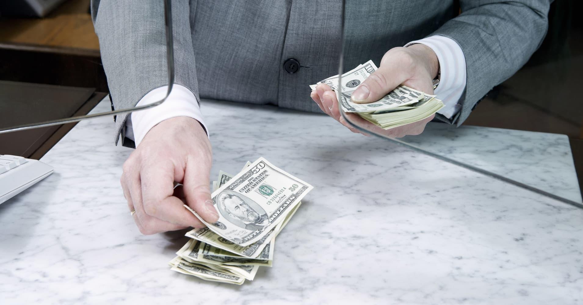 вопрос: помогу в тяжелой ситуации деньгами интересует продажа
