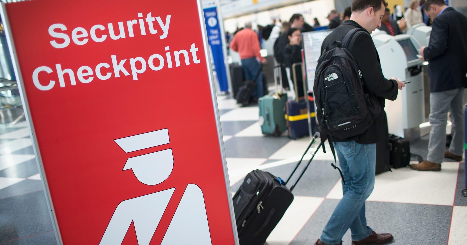 TSA to tighten screening of electronics at select airports