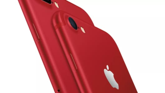 Apple releases an iPhone 7 Special Edition in Red.