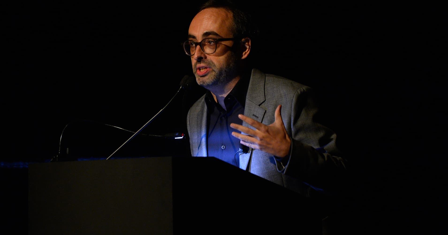 online detachment by means of whilst gary shteyngart essay