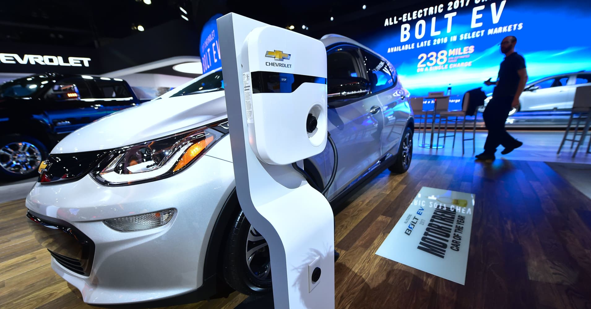 Sales of Chevy's electric car, the Bolt, tank 41 percent during the third quarter