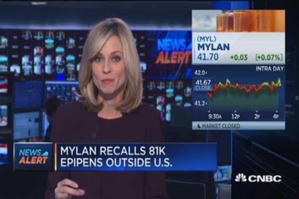 Mylan recalls 81K EpiPens outside US