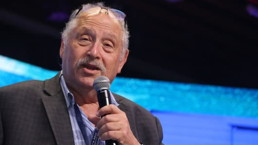 Israeli entrepreneur and investor Yossi Vardi makes a speech after the opening ceremony of 2016 Guangzhou International Innovation Festival on December 6, 2016 in Guangzhou, Guangdong Province of China.