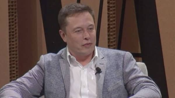 A tweet-happy Elon Musk is giving out a lot of info about the Model 3