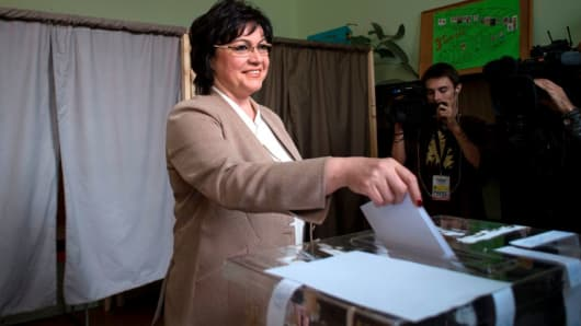 Leader of the Bulgarian Socialist party Kornelia Ninova casts her ballot at a polling station in Sofia on March 26, 2017, during the country's parliamentary election.