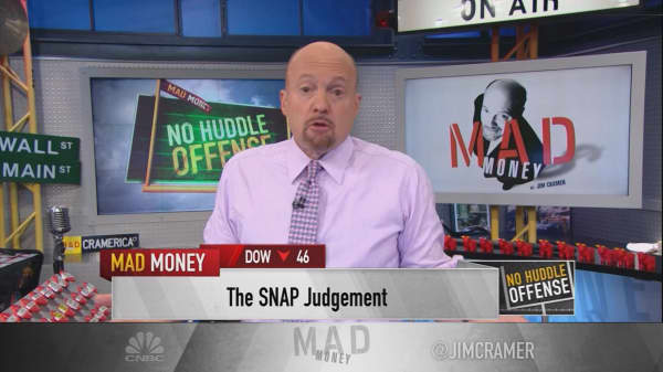 Cramer explains why he's not sold on Snap's
