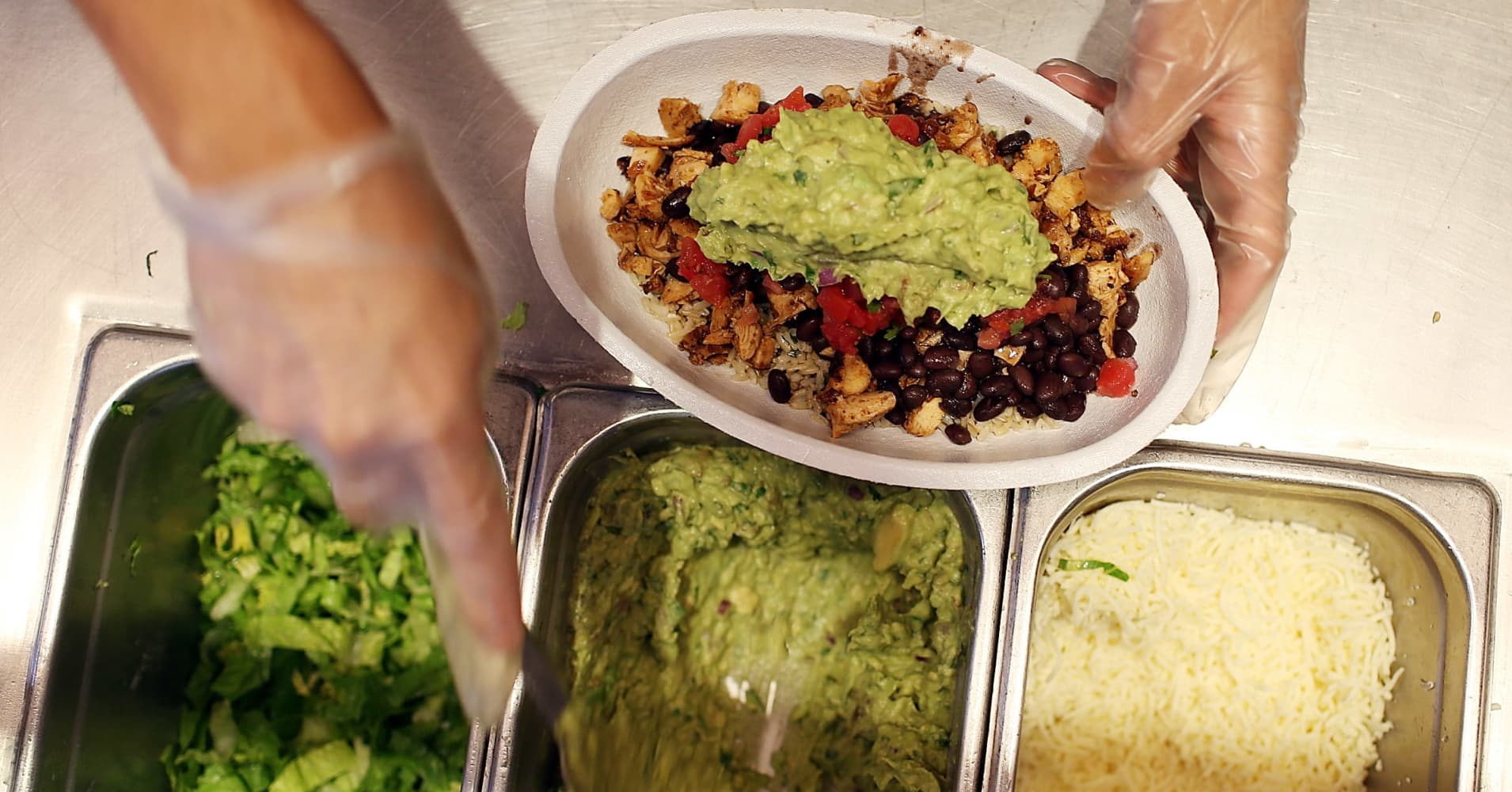 Chipotle Wants You to Try its New Diet Bowls, so You'll Sign up for its App