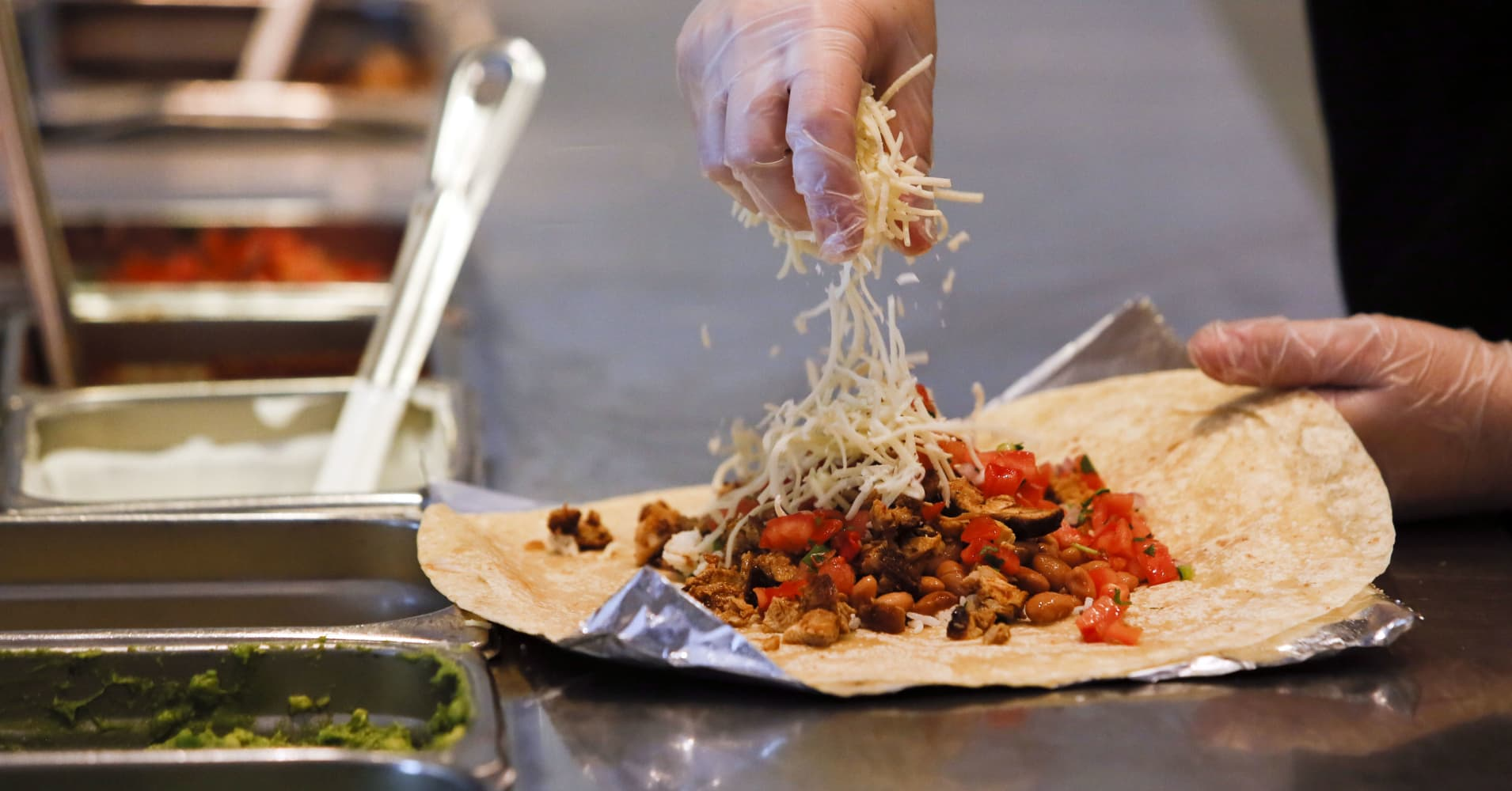 Chipotle wanted its loyalty program to boost app downloads. Barclays says it's working