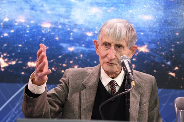 Theoretical physicist and mathematician, Freeman Dyson.