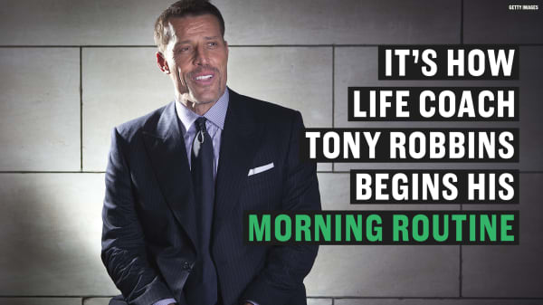 The 10-minute morning routine that Tony Robbins uses to stay grateful