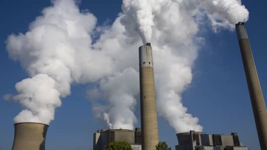 Trump EPA plan will roll back Obama standards on power plant emissions