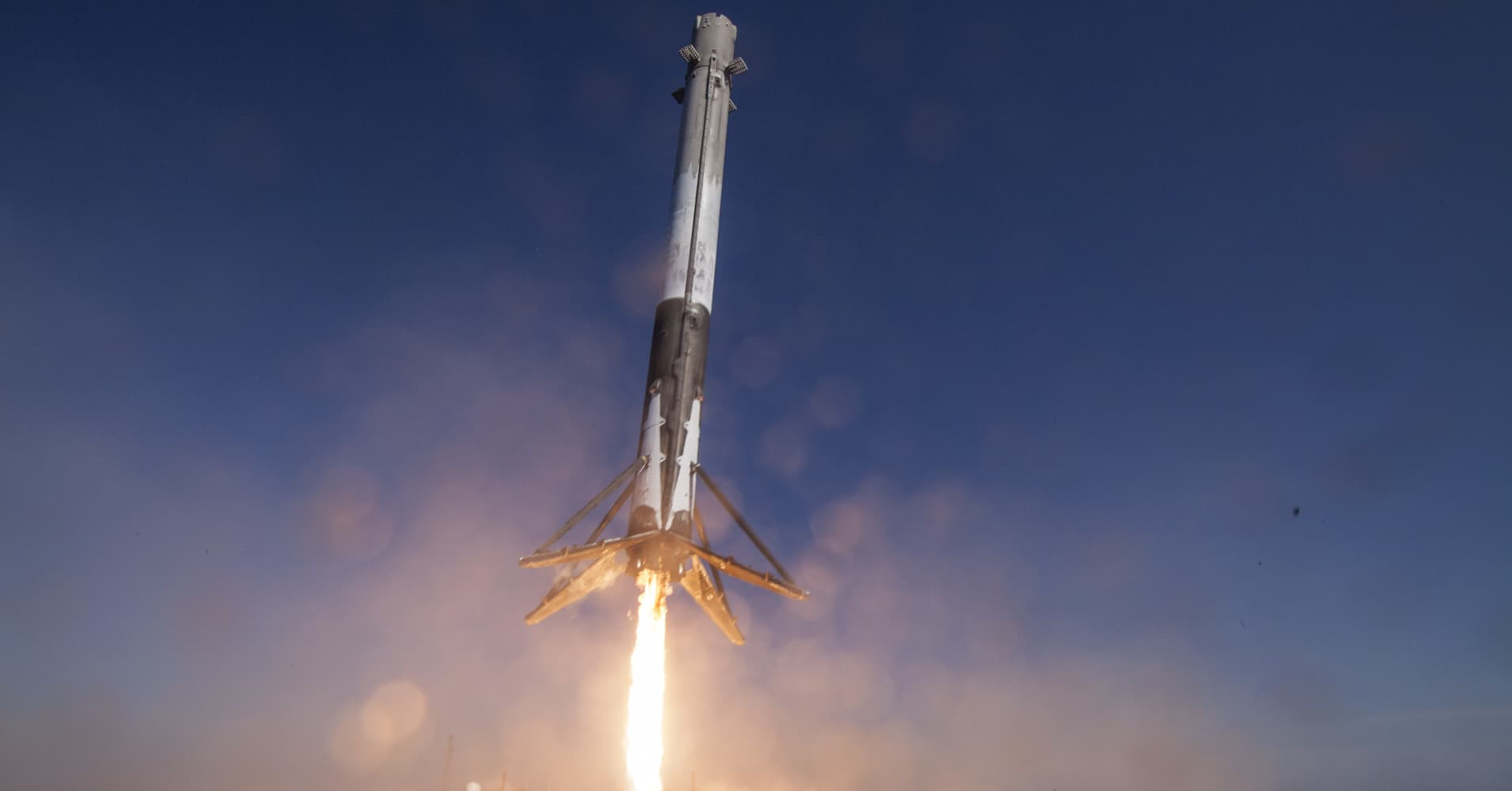 Despite 'extreme weather,' SpaceX completes back-to-back Falcon 9 missions