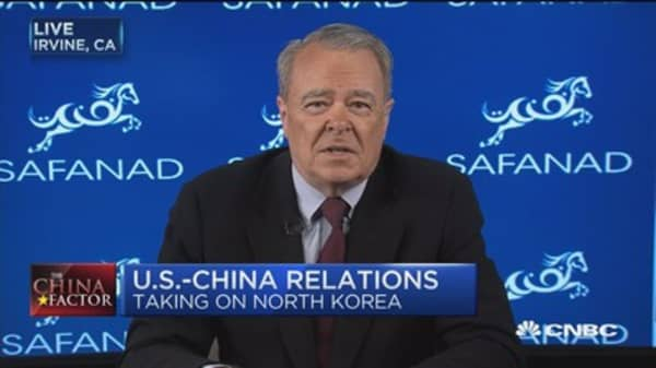 Don't expect more than a handshake at Trump/Xi meeting: Expert