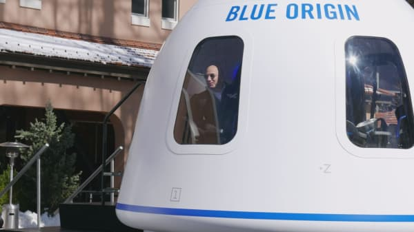 Amazon S Jeff Bezos Discusses Blue Origin At The 33rd Space Symposium