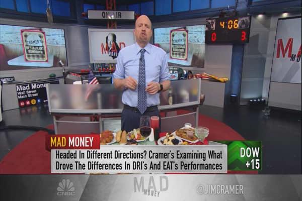Cramer taste-tests two popular restaurant chains