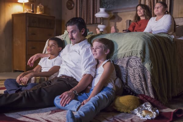 "The Pearson family on NBC's ""This Is Us"""
