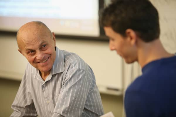 University of Chicago professor Eugene Fama speaks to students in his classroom.