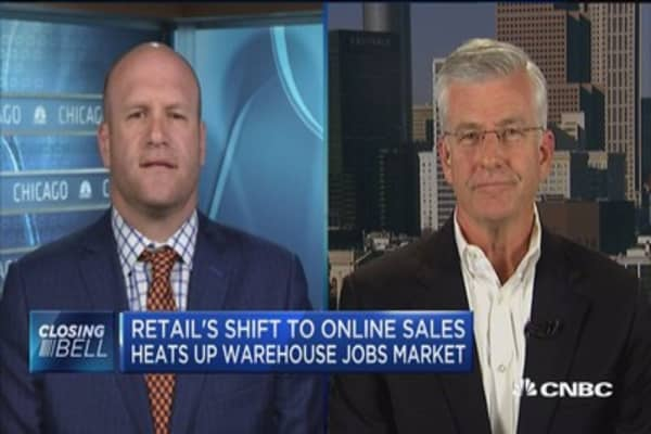 Retail's shift to online sales heats up warehouse jobs market