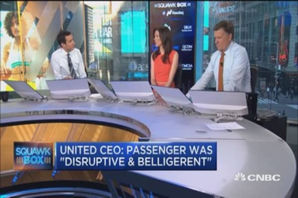 United CEO: Employees followed established procedures