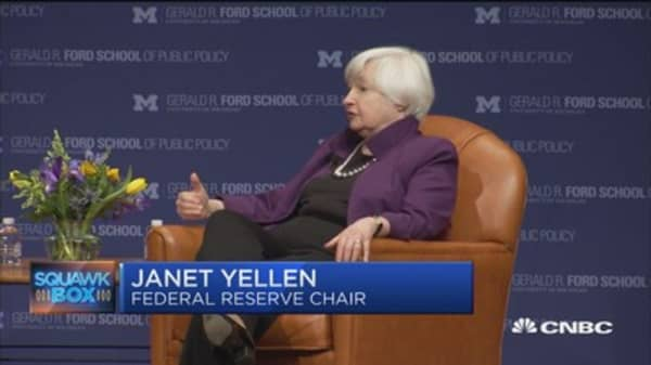 Yellen raises red flag on Fed independence